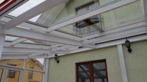 Üveg terasz beépítés