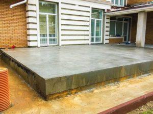 Mags terasz betonból