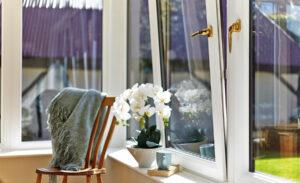 Terasz és télikerti ablak ápolása.